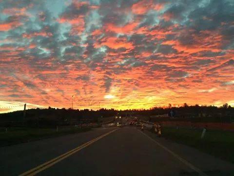 Una splendida alba