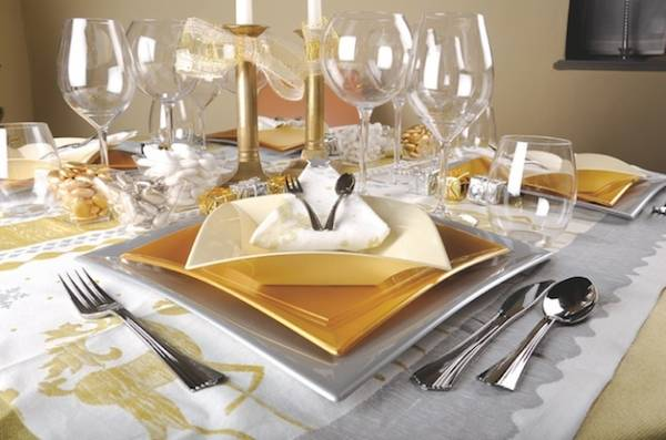 """Una tavola di Natale """"Usa e getta"""" (inserita in galleria)"""