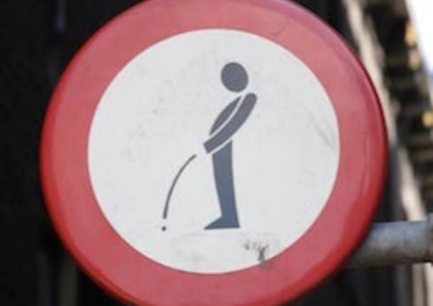 divieto urinare foto