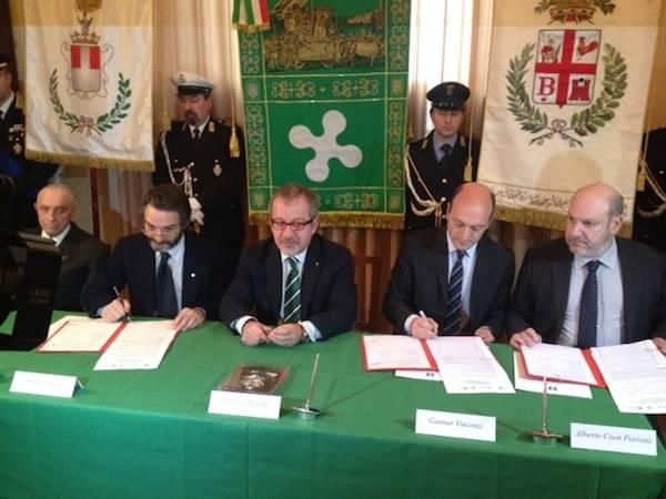 Firmato l'accordo per la riqualificazione di Piazza Repubblica  (inserita in galleria)