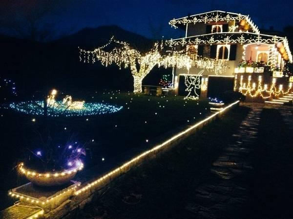La casa illuminata (inserita in galleria)
