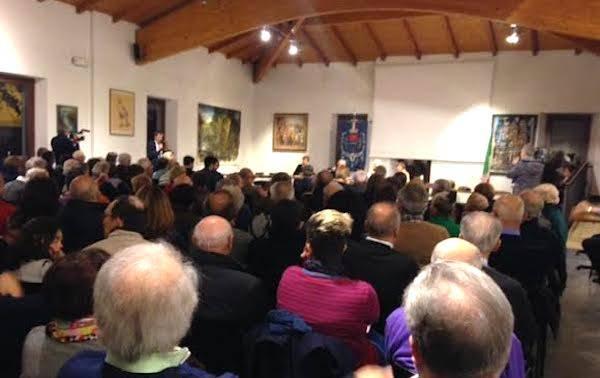 Presentazione della rivista Menta e Rosmarino alla sala consiliare del comune di Gavirate il 14 dicembre 2014