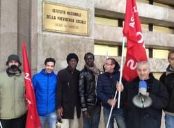 protesta lavoratori cooperative inps