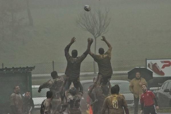 Rugby - Partite nel fango (inserita in galleria)