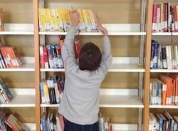 biblioteca apertura libri bambino carnago cultura libreria