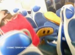 Devastano un treno, ripresi da un video (inserita in galleria)