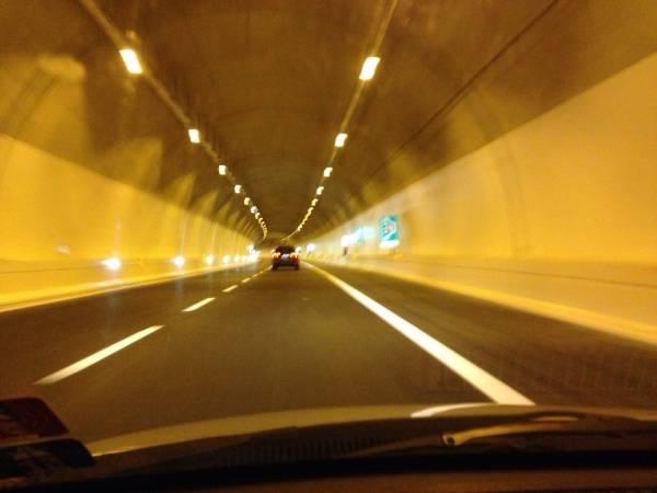 In auto sulla A60 (inserita in galleria)