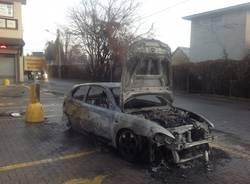 Incendio Auto a Cavaria con Premzzo (inserita in galleria)