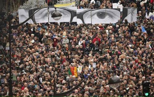 La marcia di Parigi (inserita in galleria)