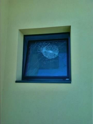 Vandali nello spogliatoio della palestra (inserita in galleria)