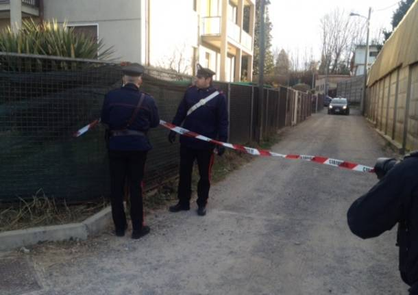 Venegono Inferiore, i carabinieri sul luogo del duplice omicidio (inserita in galleria)