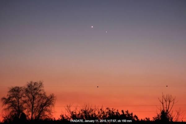 Venere abbraccia Mercurio al tramonto (inserita in galleria)