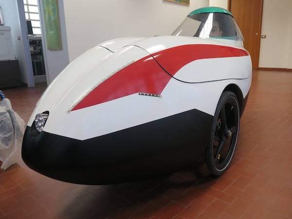 Zephyrus, l'auto a pedali (inserita in galleria)