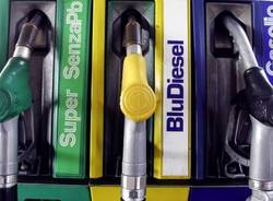 diesel gasolio benzina distributore pompa