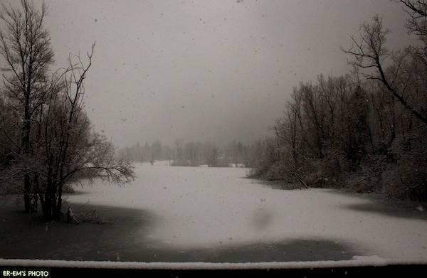 Il Lago di Ghirla sotto la neve  (inserita in galleria)