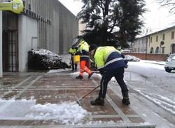 Il lavoro della Protezione civile a Gorla Maggiore (inserita in galleria)