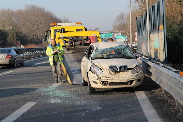 Incidente in A8 all'uscita di Gazzada (inserita in galleria)