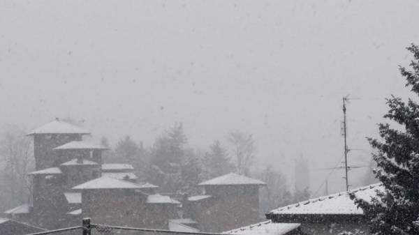 """La neve """"in diretta"""" dei lettori (inserita in galleria)"""