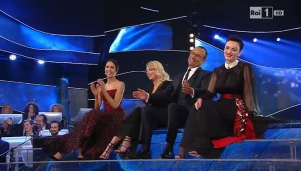 Sanremo 2015, il fotoracconto della prima serata (inserita in galleria)