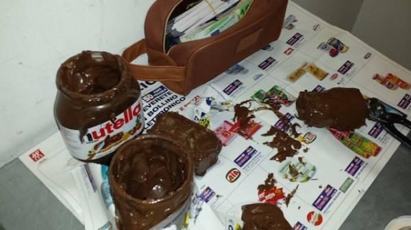 Soldi nella Nutella, la scoperta della Guardia di Finanza (inserita in galleria)