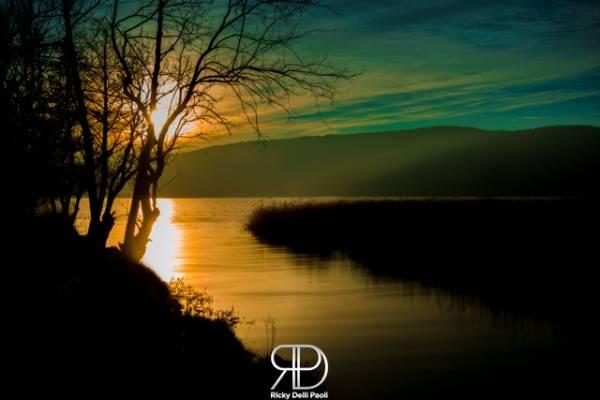 Tramonto sul lago di Comabbio (inserita in galleria)