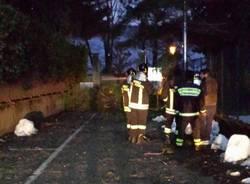 Vigili del fuoco al lavoro a Cadrezzate  (inserita in galleria)