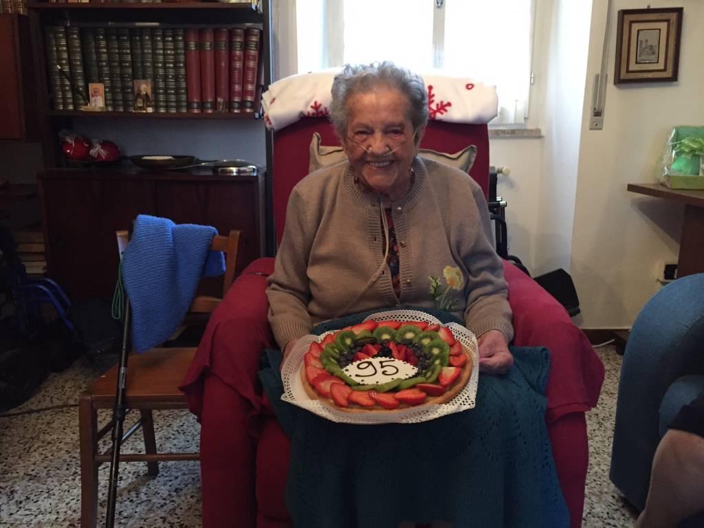 auguri nonna renza varesenews