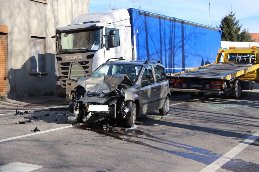 Incidente stradale castiglione olona 8 aprile 2015