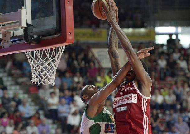 basket serie a Openjobmetis Varese - Sidigas Avellino 66-73