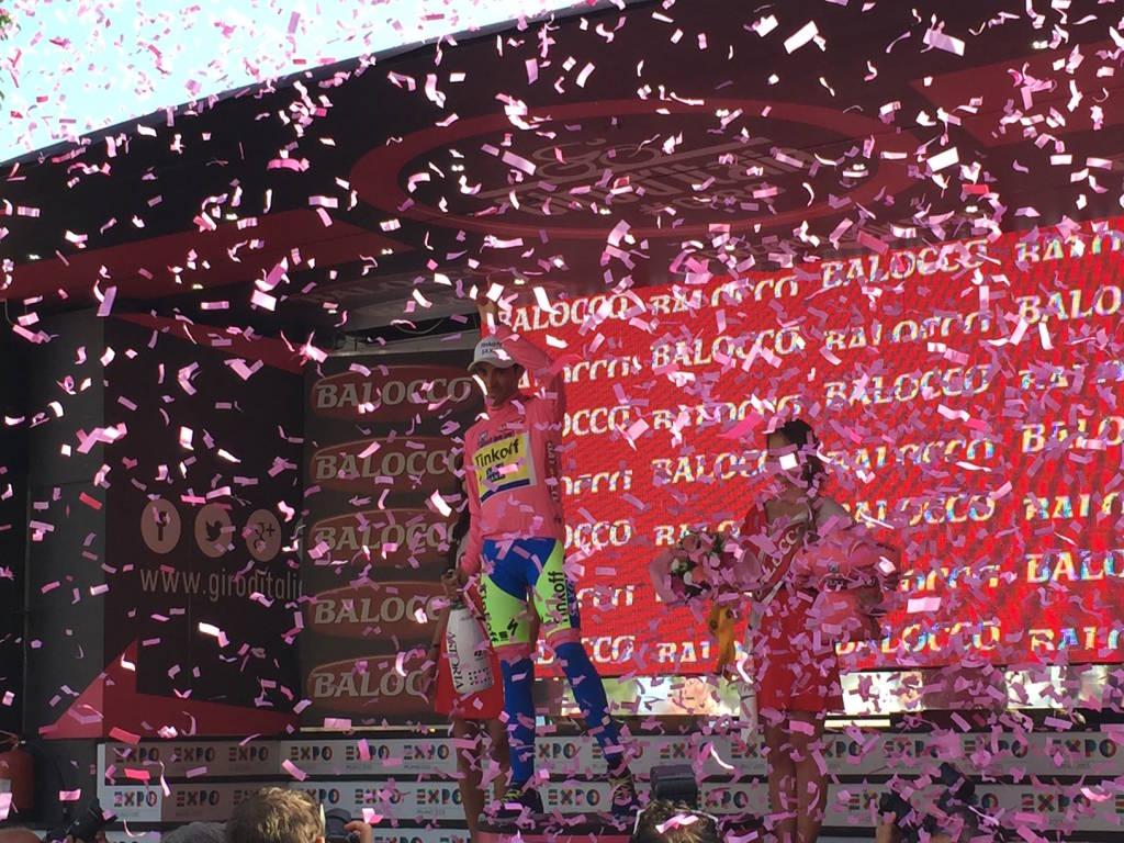 Giro d'Italia, l'arrivo a Pallanza