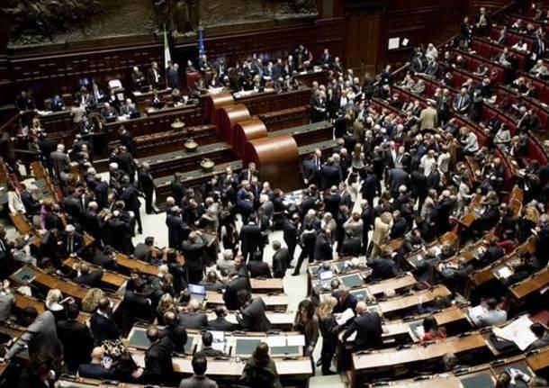 ricchi e poveri pubblicati i redditi di parlamentari e