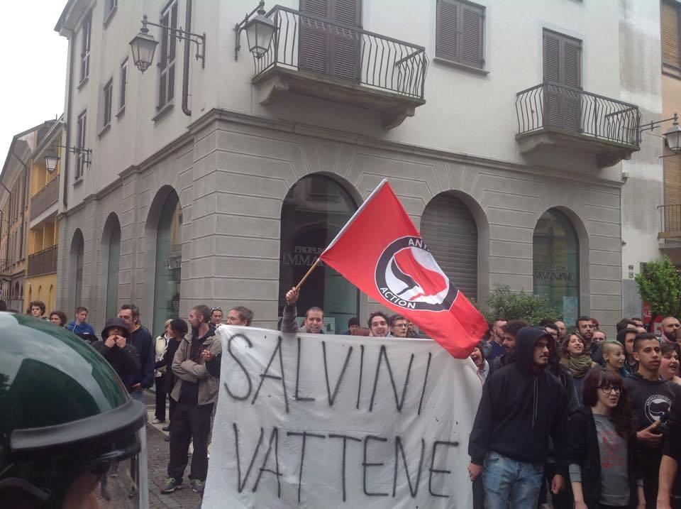 Salvini contestato saronno