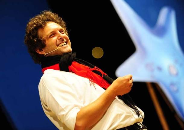 Antonio Di Natale Biologo.Antonio Ornano Il Biologo Di Zelig Sul Palco Del Caffe Teatro