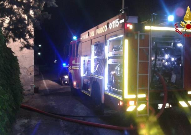 Incendio a Laveno Mombello