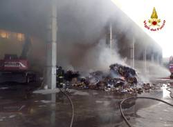 Incendio capannone a Golasecca