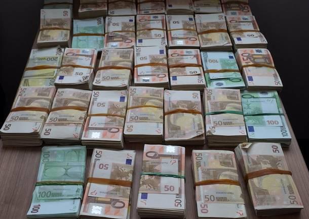 soldi banconote malpensa