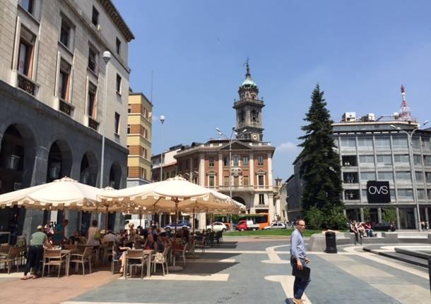 Varese, tavoli all'aperto