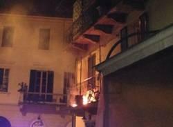Balcone fuoco Laveno mombello