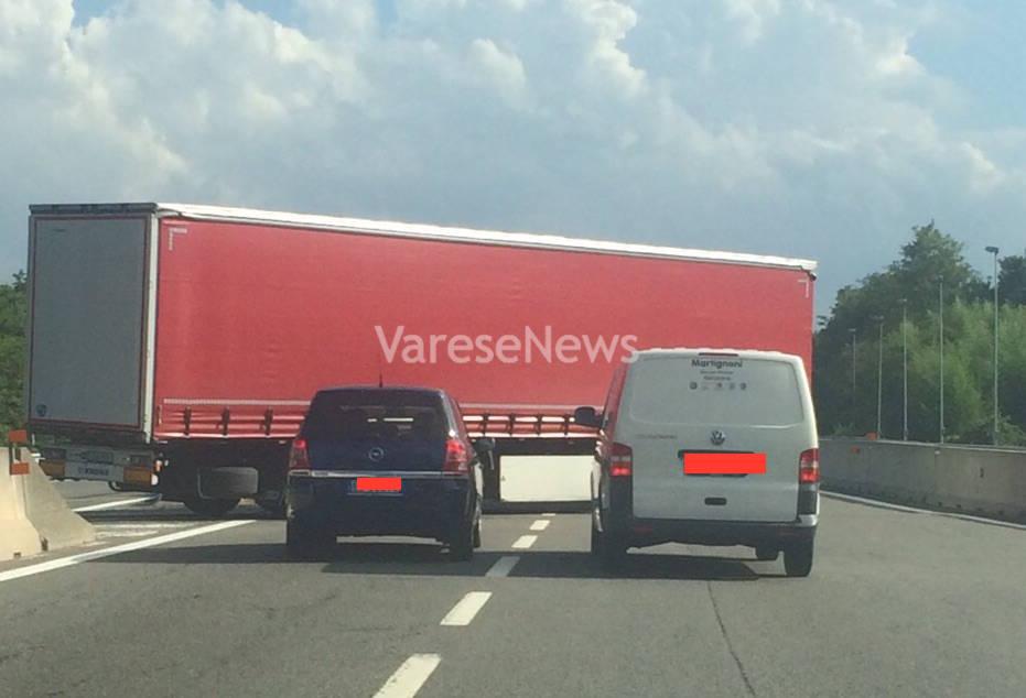 camion inversione autostrada