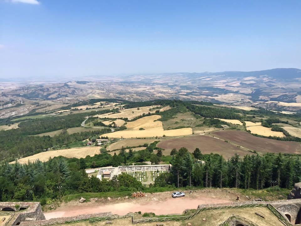 Via Francigena 14esima tappa da San Quirico d'Orcia a Radicofani