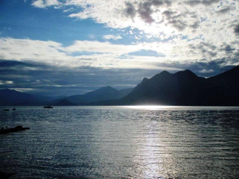 Un cielo particolare sul Lago Maggiore.....