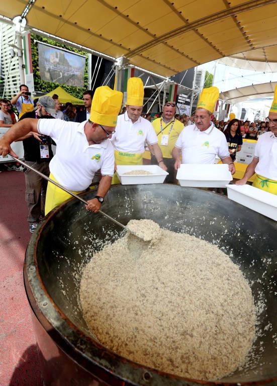 Mega risottata a Expo2015