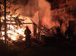 Incendio in un garage a Cugliate Fabiasco