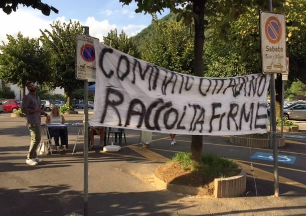 Lavena Ponte Tresa protesta contro i profughi