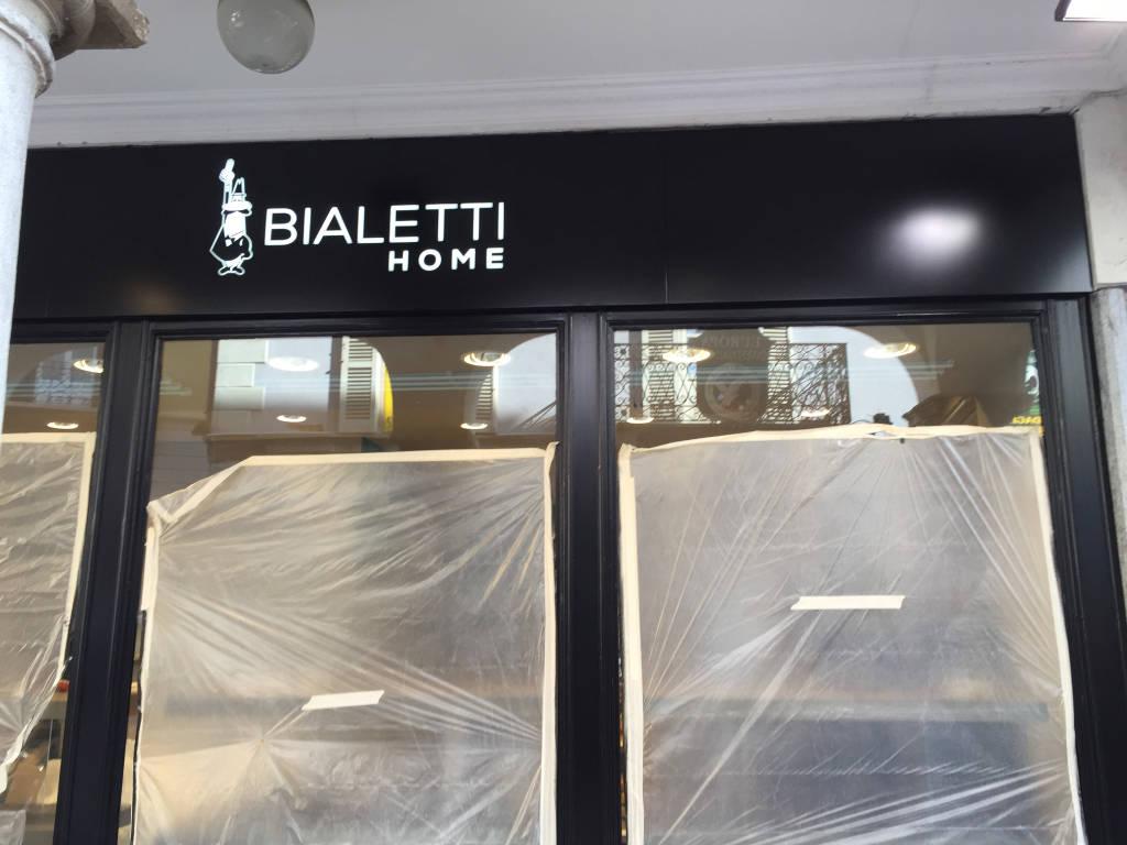 Bialetti vs Nespresso,  i marchi del caffè si confrontano in corso Matteotti
