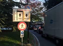Il parcheggio a pagamento in ospedale crea il caos