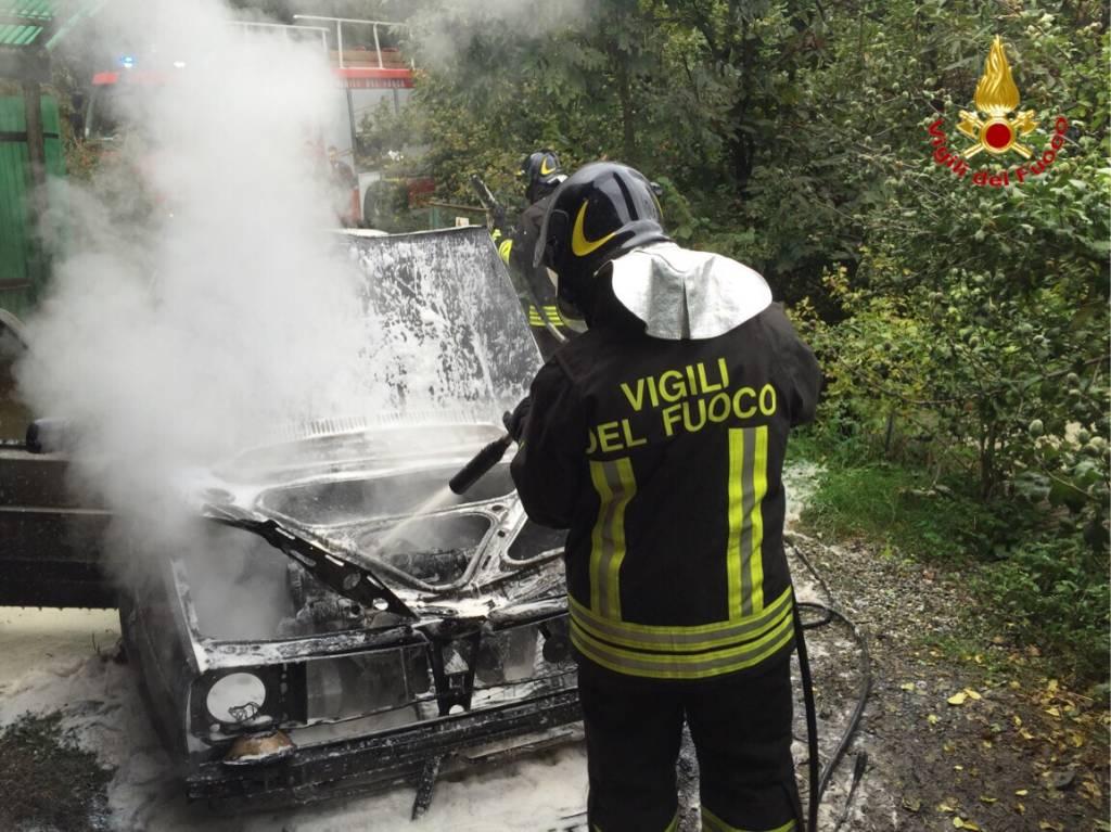 incendio auto dumenza 3 ottobre 2015