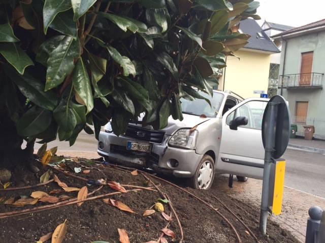 incidente auto gazzada 29 ottobre 2015