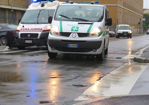 incidente via cavallotti gallarate ambulanza polizia locale generica