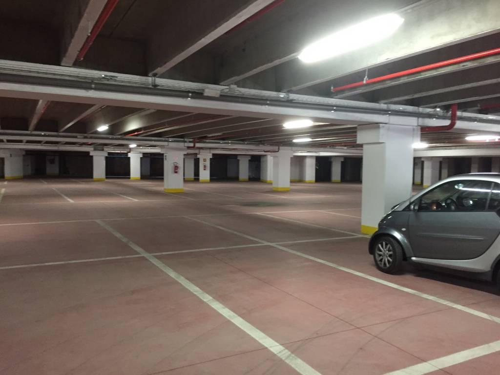 Nuovi posti auto in via Lazio